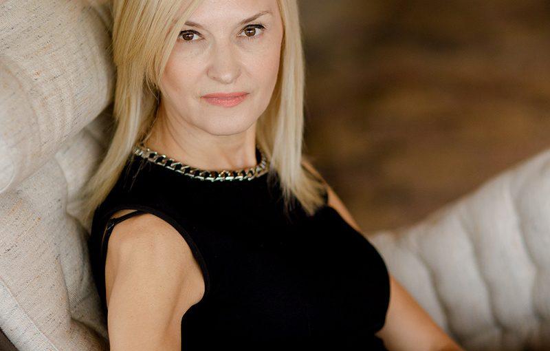 #AnswearTopLadies – Diana Baicu, CEO & Founder Top Line