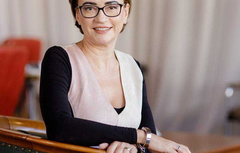 #AnswearTopLadies – Anelise Pitiș, Sales & Trade Marketing Director JTI
